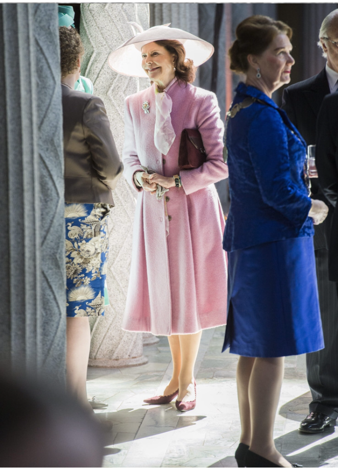 Queen Silvia wear a pink coat from Camilla Thulin